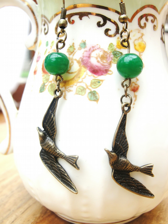 Free UK P&P. Earrings, pretty swooping bird .
