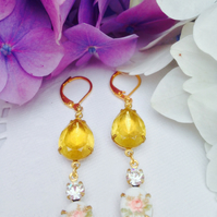 Pretty Vintage flower glass and rhinestone earrings. Gift for her.