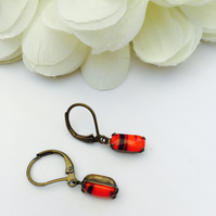FREE UK P&P. Red and black vintage glass stone earrings.