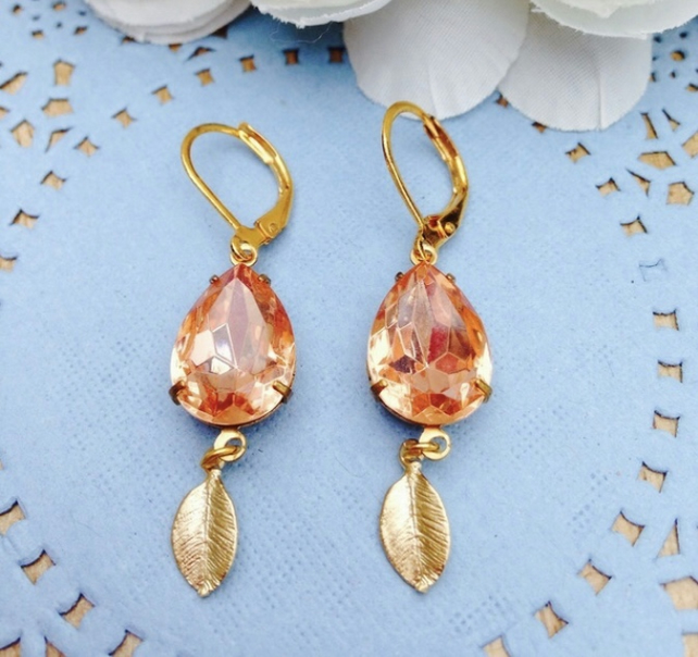 Vintage glass earrings in peachy pink with cute golden leaf