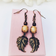 Vintage glass stone copper and beige earrings.