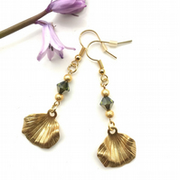 Emerald green faceted glass earrings & golden leaves