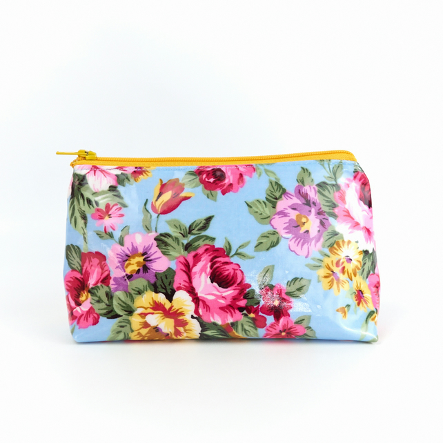 Small Floral Oilcloth Makeup Bag Standing Pretty Cosmetic Bag for Purse