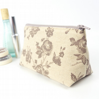 Small Cosmetic Bag in Floral Linen Neutrals