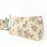 Large Cosmetic Bag in Floral Linen Neutrals