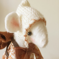 Back To School Collectable Mouse Ornament - Amelie