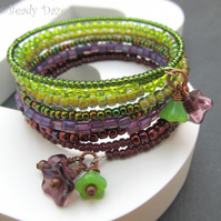Bramble Daze bracelet. Memory wire, Czech beads
