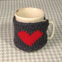 Heart mug cosy in charcoal grey chunky pure wool. Valentine gifts for men