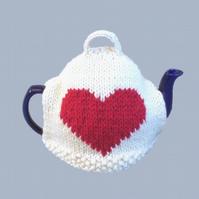 Heart tea cosy, teapot cover hand-knitted in pure wool. Valentine Mother's day