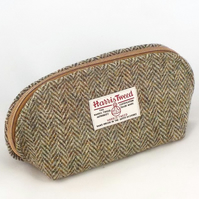Harris tweed olive green washbag toiletries bag shaver bag