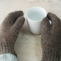 Knitted wool mittens natural brown British Falklands wool