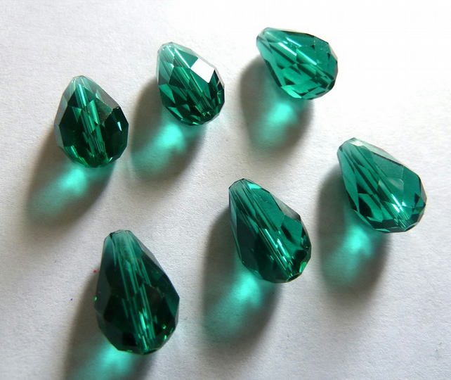 green glass teardrop beads