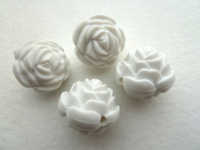 SALE 4 white acrylic rose beads