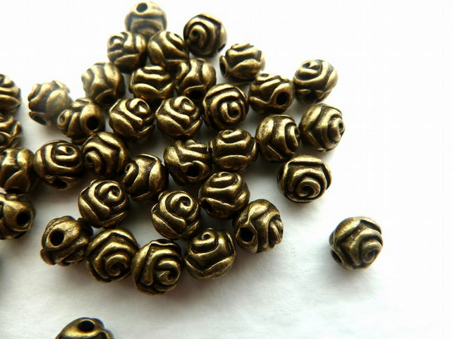 SALE 20 bronze rose beads