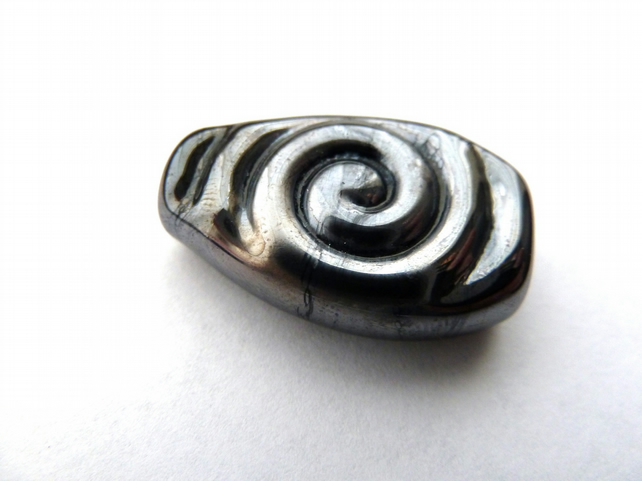grey and silver spiral focal bead