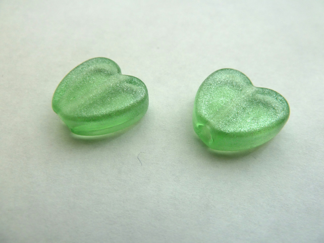 green heart pair