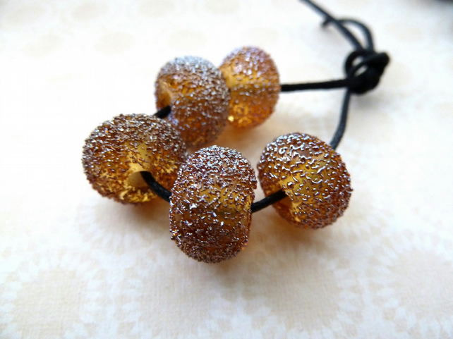 gold star dust beads