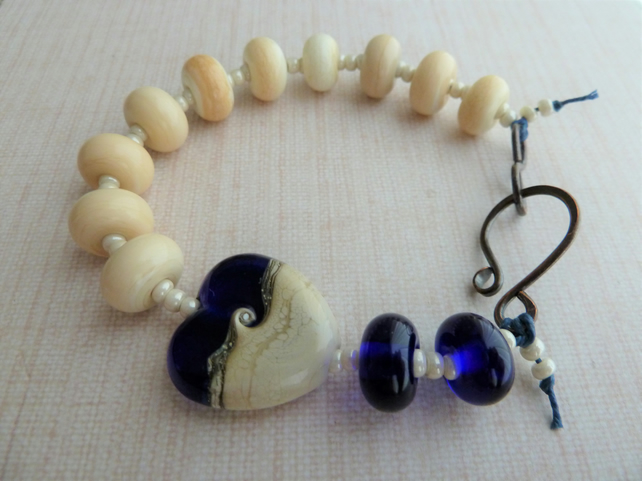 lampwork glass blue and ivory heart bracelet