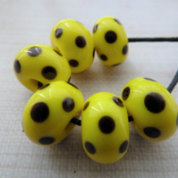 yellow and black spot lampwork glass beads