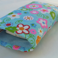 Tissue or Glasses Sleeve Retro Flowers