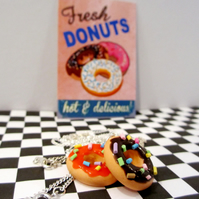 Retro doughnut with sprinkles necklace OR keyring ONE SUPPLIED, fun,handmade