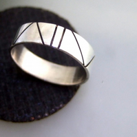 Contemporary design ring