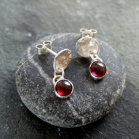 Reticulated stud garnet droplet earrings