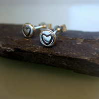 Small heart oxidised studs