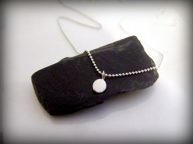 Little pebble pendant