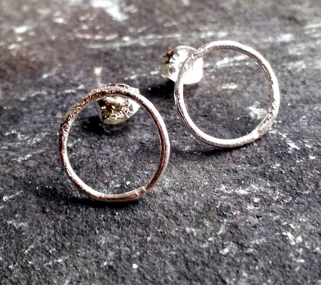 Hoop stud earrings simplistic range