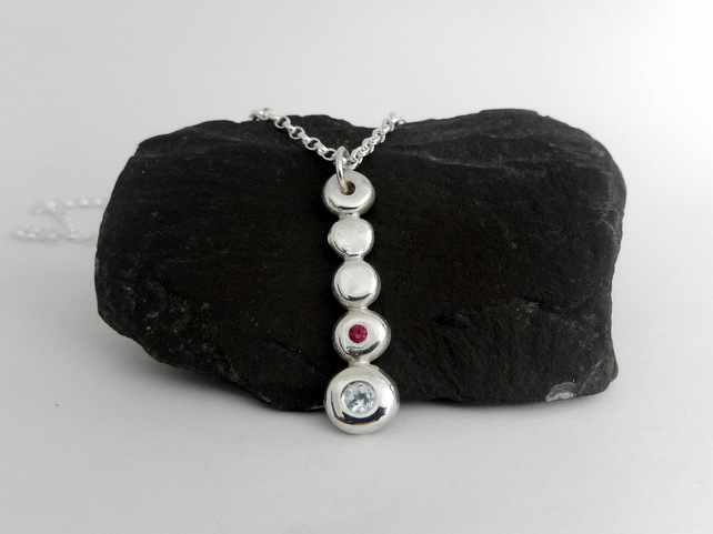 Pebble pendant Topaz and Ruby