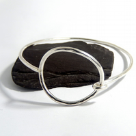 Large hoop & catch bangle