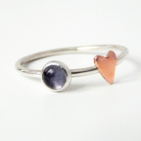 Skinny ring with heart 4 mm Iolite