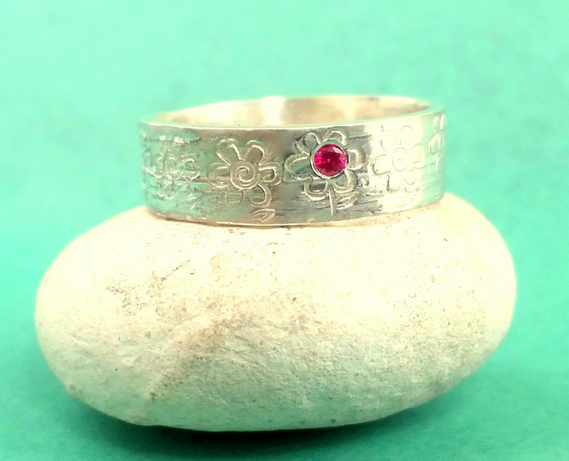 SIlver ruby flower design ring