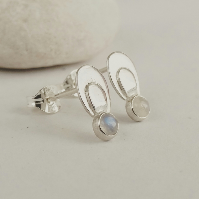Little moonstone earrings