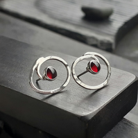 HANDMADE Swirl garnet silver earrings