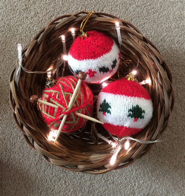 3 knitted baubles red and green