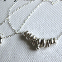 droppa- silver drop bead necklace