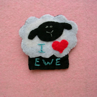"Valentines ""I Love Ewe"" Badge"