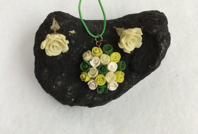 Flower Girl Earring and Necklace set (green)