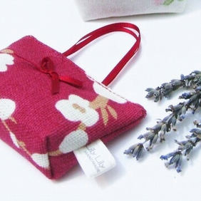Wedding favours, 10 Mini handbag style Lavender bags