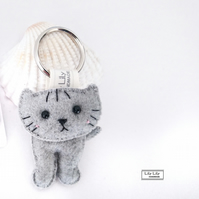 Handmade Cat Keyring (Grey cat) - Free delivery