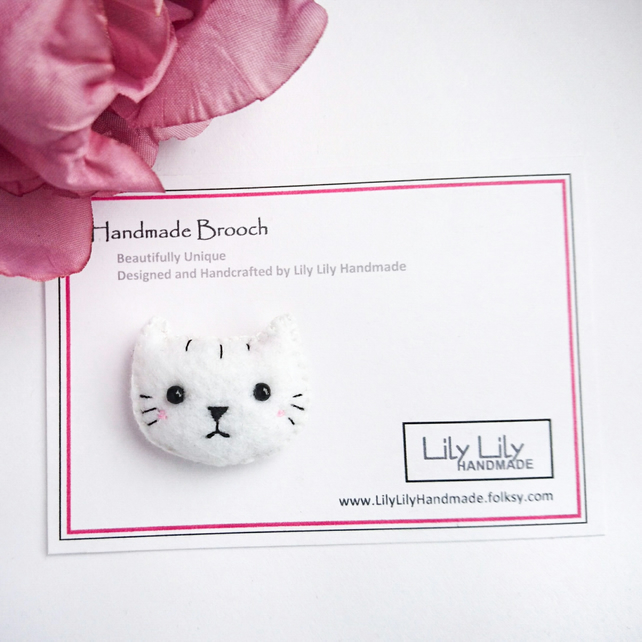 Cute white cat brooch, Handmade by Lily Lily Handmade
