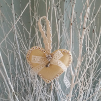 Heart hanger shabby chic with bell