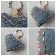 Keyring beaded heart in pink and yellow, upcycled.