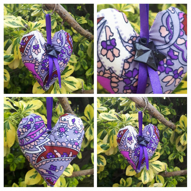 Heart keyring in purple fabric.