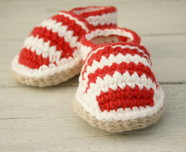 0-6 Months Beach shoes, Red & Cream Striped Crochet Loafers - MADE To ORDER