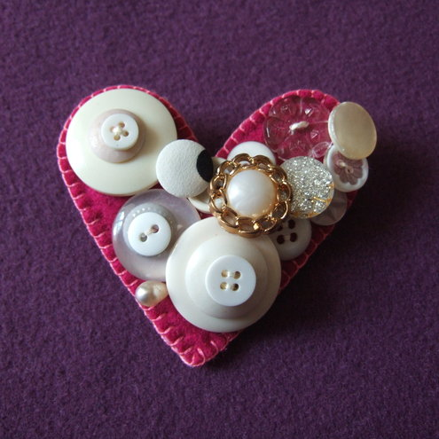 Large Unique Dark Pink/White Heart-Shaped Vintage Button Brooch