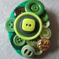 Green Oval Vintage Button Brooch
