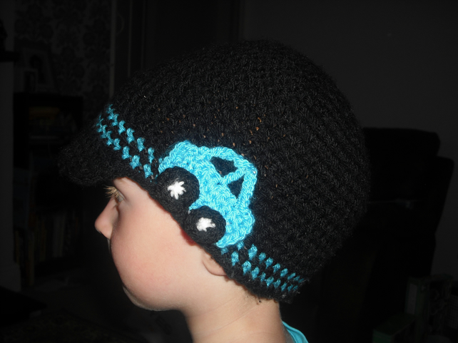 crochet hat with car motif